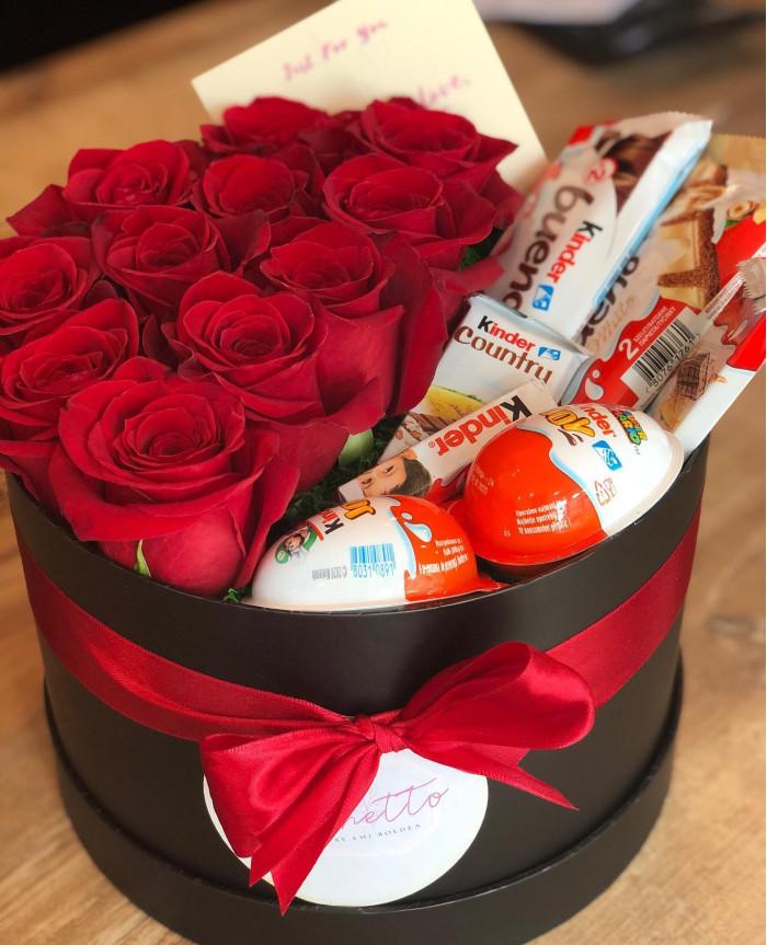 Aranjament din flori in сutie cu Trandafiri Rosii