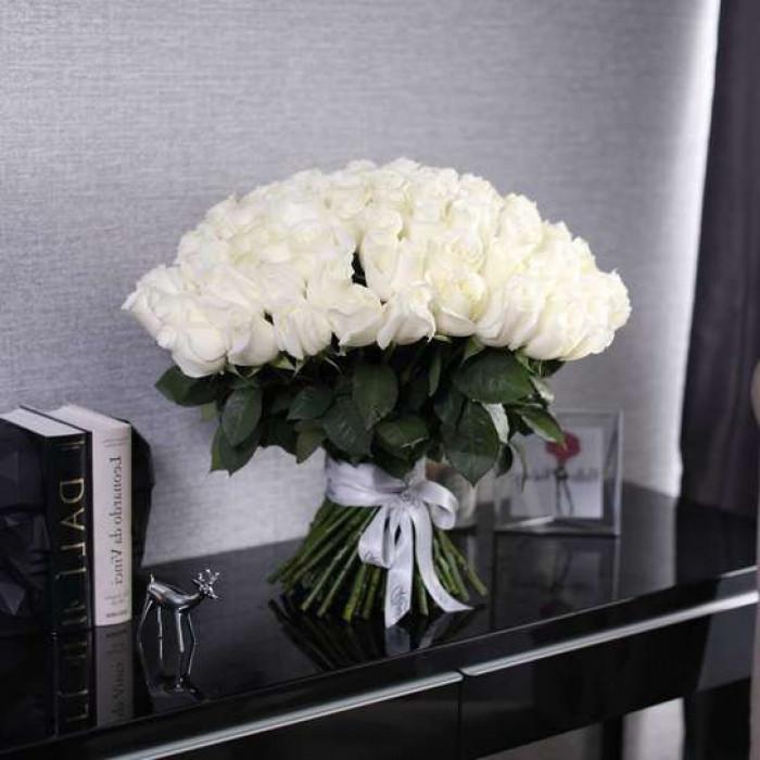 Buchet de trandafiri albi 50CM, 67 Flori