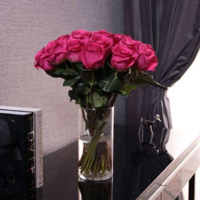 Buchet de trandafiri roz in vaza, 50 CM
