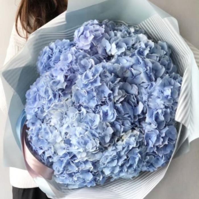 Buchet albastru din flori de Hortensie