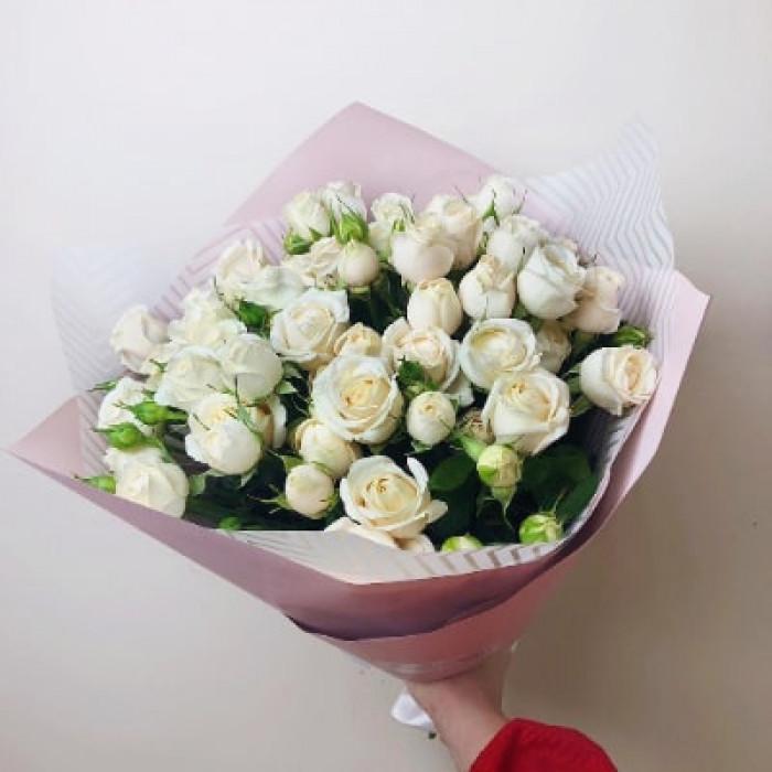 Buchet de trandafiri mini albi