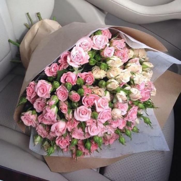 Buchet elegant de trandafiri mini, roz si bej