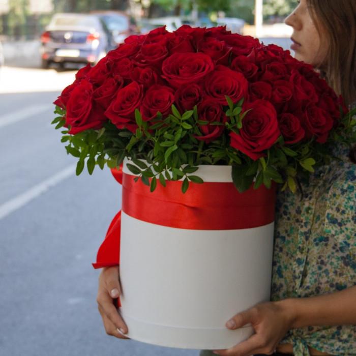 Cutie impecabila din trandafiri
