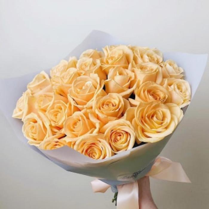 Buchet de trandafiri de culoare crem