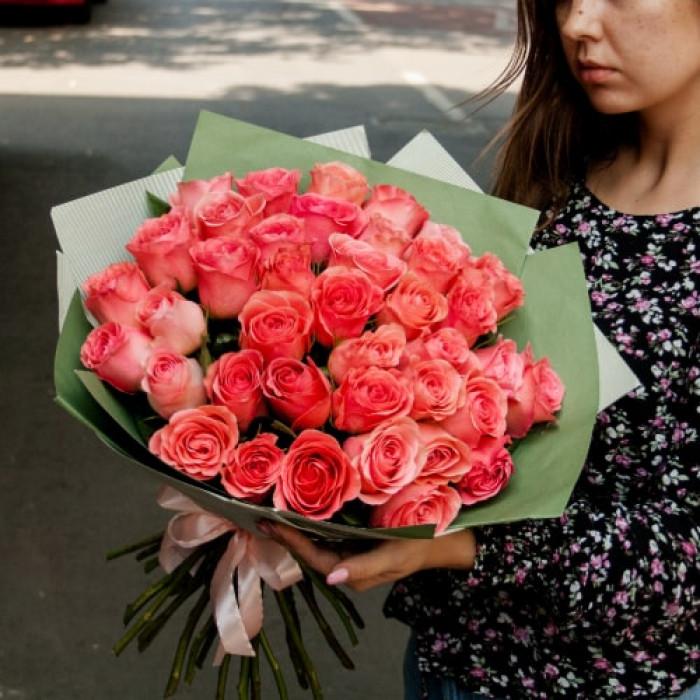 Buchet de trandafiri Piersic