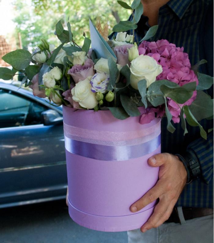 Aranjament din Hortensie & Trandafiri