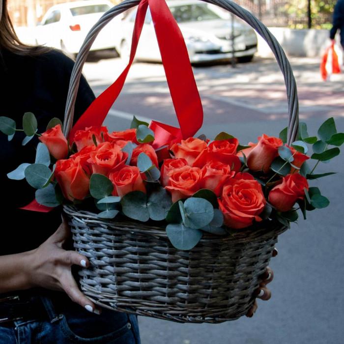 Cos cu trandafiri Somon