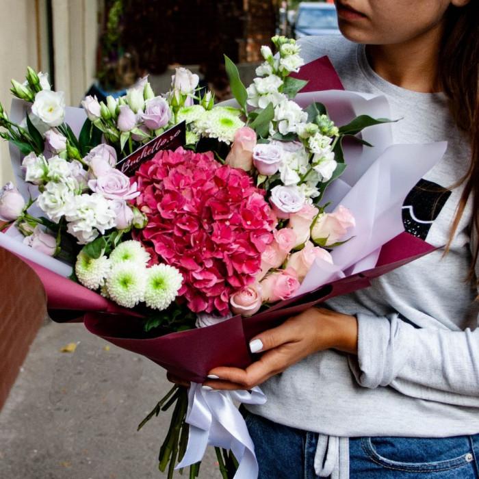 Mix de flori - Hortensie, Mini-rosa, Lisiantus