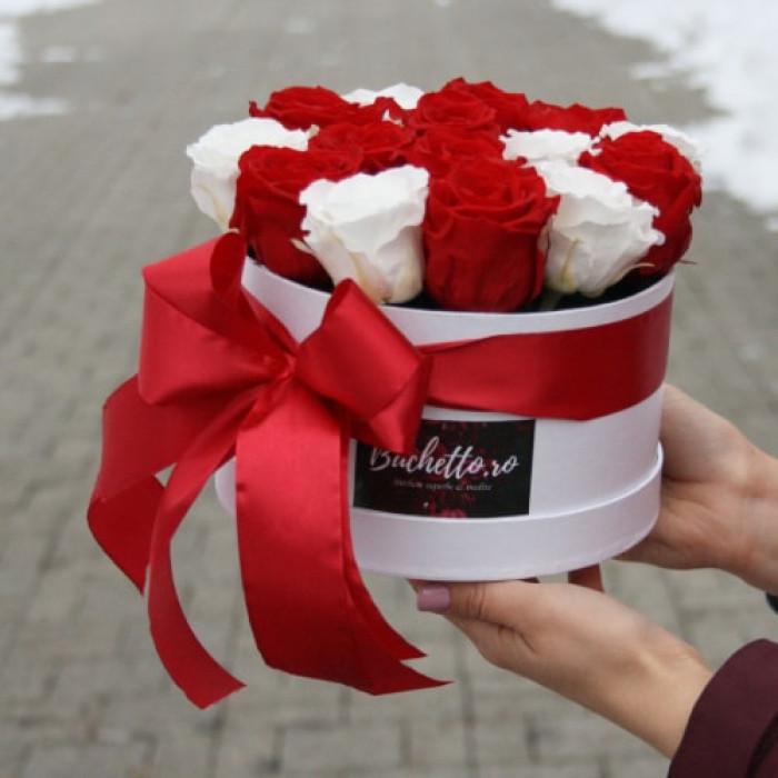 Trandafiri Criogenati in cutie Alba