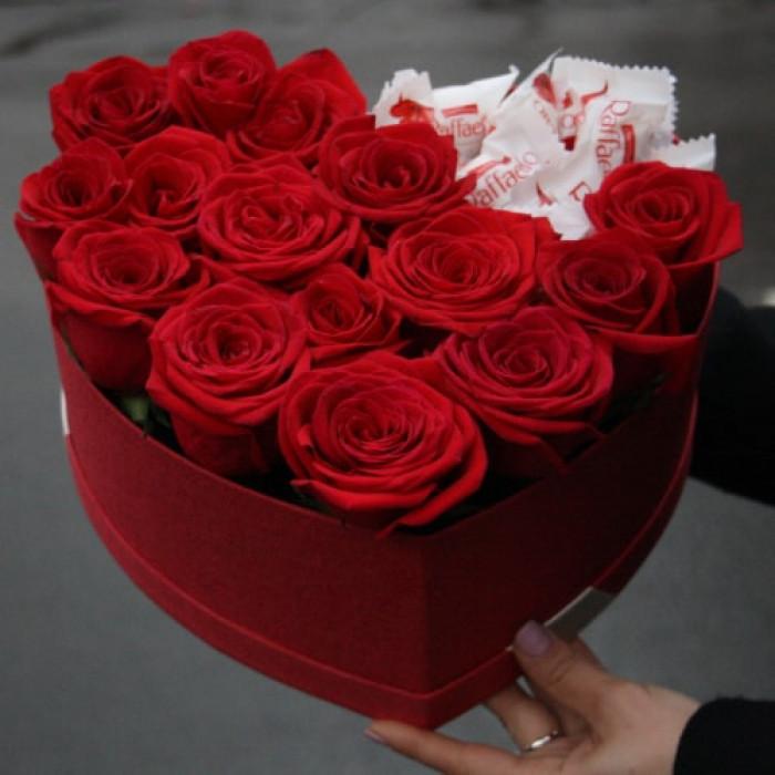 Inima din Trandafiri Rosii si Raffaello