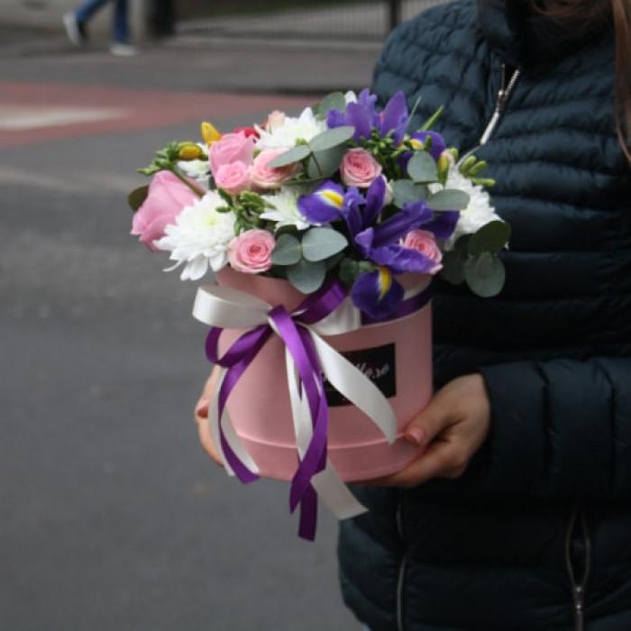 Cutie cu Iris, Trandafiri Roz si Frezii
