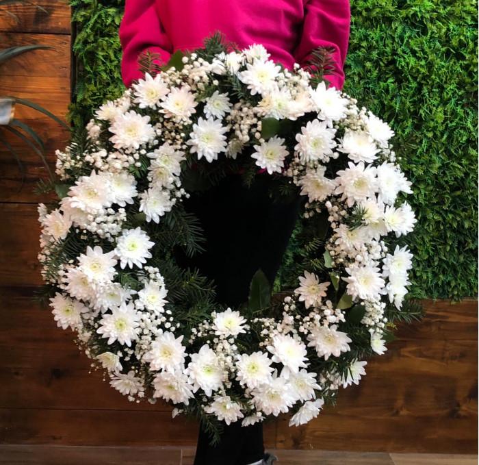 Coroana funerara cu Crizantema și gypsofila