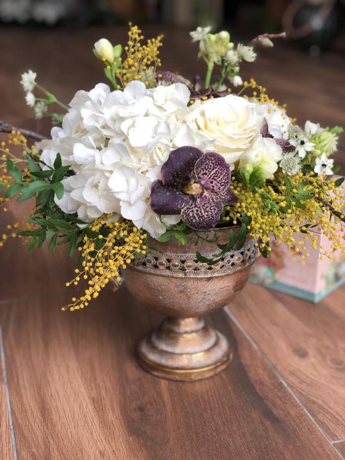 Aranjament in pocal cu Hortensie și magnolie